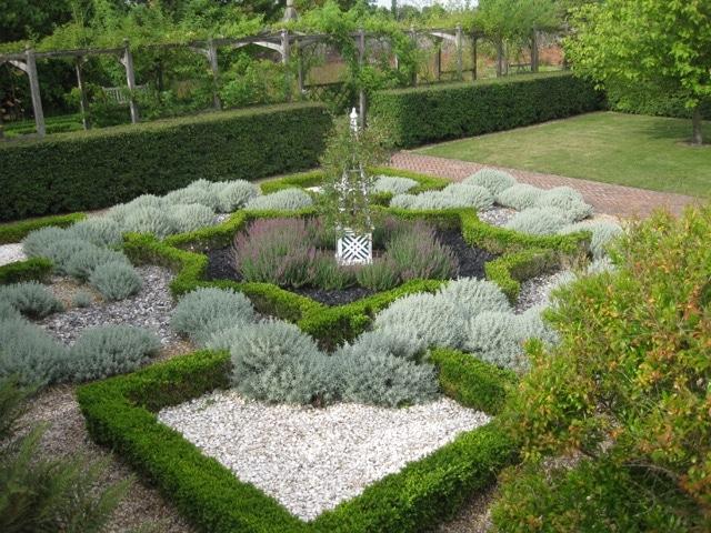herbs cressing temple Knot garden